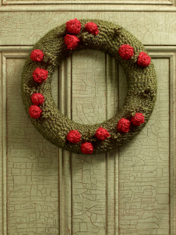 Yarn Wreath with Berries