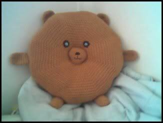 Bear y Huggable Pillow