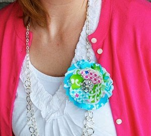 Quick Change Corsage Necklace