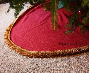 Festive Christmas Tree Skirt