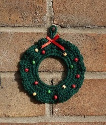 Small Crochet Christmas Wreath