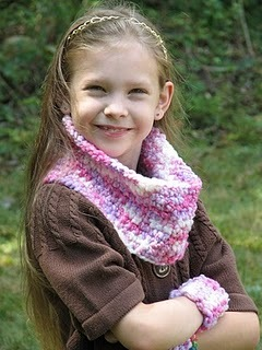 Cowl and Wristlets