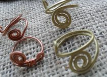 Simple Wire Ring or Ring Base