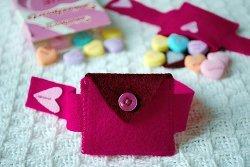 Felt Heart Pocket Bracelet
