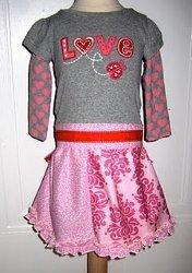 IT-Shirt Into Valentine's Day Dress