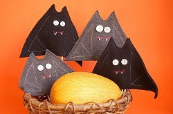 Felt Bat Puppets