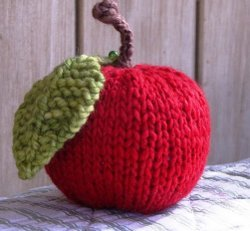 Stuffed Apple Pincushion