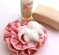 Bubbly Rose Bath Pouf