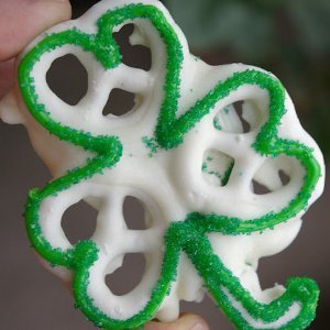 Shamrock Pretzel Snacks