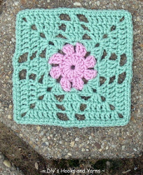 Minty Flower Square