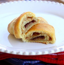 No Brainer Cinnamon Crescent Rolls