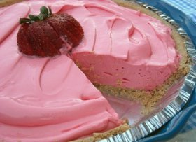 No Bake Strawberry Kool-Aid Pie