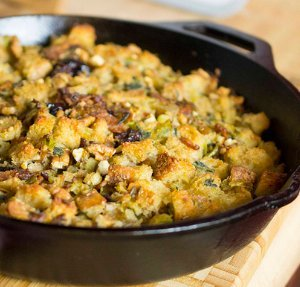Bacon Sage Soda Bread Stuffing - This delicious Thanksgiving stuffing ...