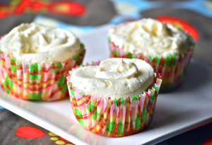 DC Cupcakes Inspired Vanilla Cupcakes