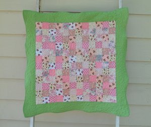 Helen's Scalloped Baby Quilt