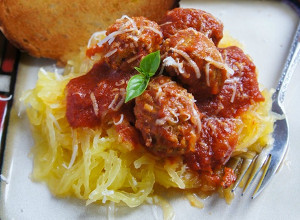 Super Easy Slow Cooker Spaghetti Squash with Meatballs