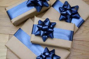 How to Make Beautiful Blue Bows