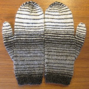 Knitting Patterns For Mittens And Hats : Winter Sky Mittens AllFreeKnitting.com