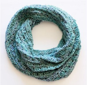 Crochet Scarf Patterns For Bulky Yarn : Bulky Crochet Infinity Scarf Pattern AllFreeCrochet.com