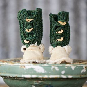 Bird Toggle Booties