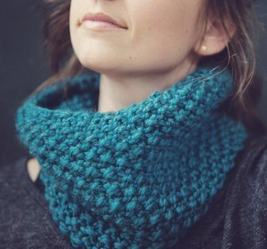 Free Cowl Knitting Patterns For Beginners : 22 Favorite Knit Scarf Patterns Ever AllFreeKnitting.com