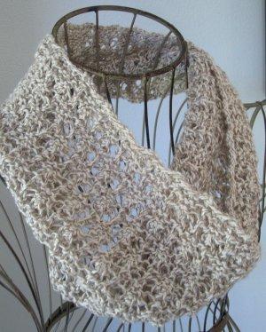 Open Mesh Knitting Stitches : Madeira Mesh Cowl AllFreeKnitting.com