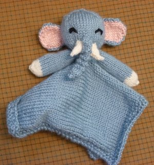 Free Knitting Pattern For Baby Comfort Blanket : Elephant Lovie Blanket AllFreeKnitting.com