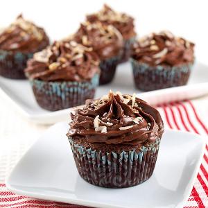 Chocolate Italian Wedding Cupcakes