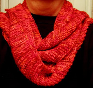 Loom Knitted Pattern For A Potato Chip Scarf : Rustic Red Baktus Scarf