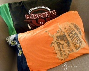 DIY T-Shirt Reconstruction Pillowcases