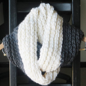 Free Crochet Scarf Patterns For Bulky Yarn : Chunky Stylish Infinity Scarf Pattern AllFreeCrochet.com