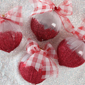 Cute DIY Shimmery Ornaments