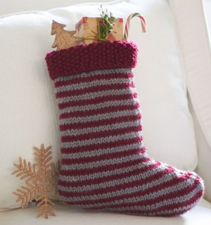 Knitting Pattern For Chunky Christmas Stocking : Free Christmas Knitting Patterns: FREE CHUNKY KNIT CHRISTMAS STOCKING KNITTIN...