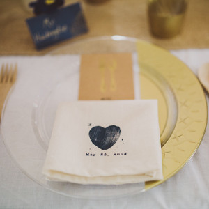 Gilded Disposable Plastic Plates