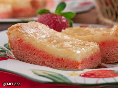 Strawberry Cheesecake Bars | mrfood.com