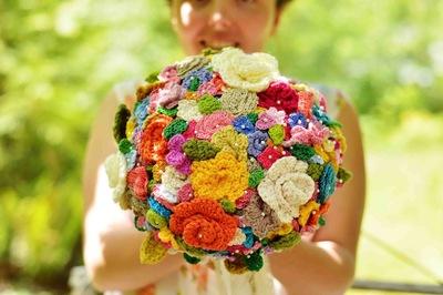 华丽的钩针编织花束