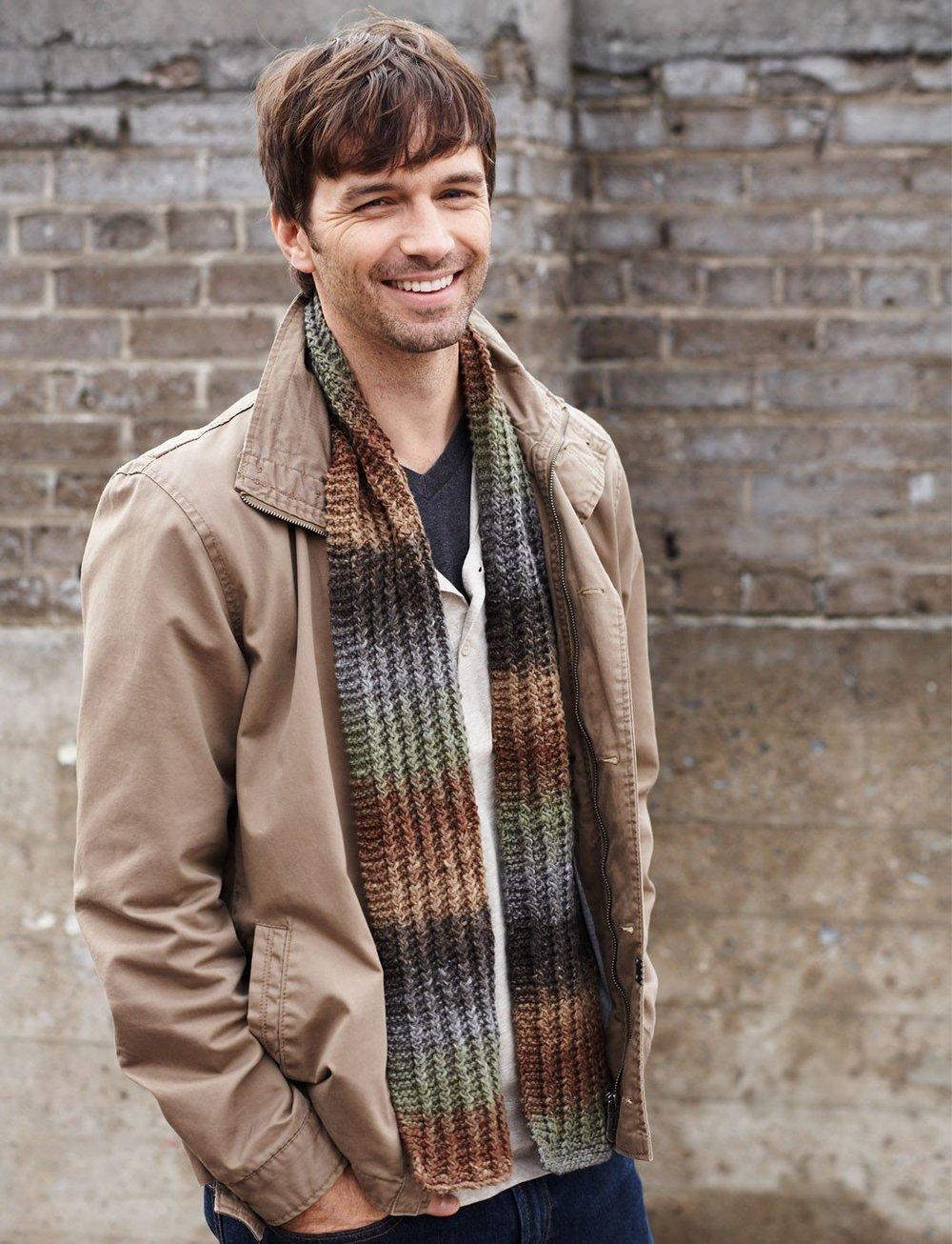 Men S Scarves Knitting Patterns : Hitchhiker s scarf allfreeknitting