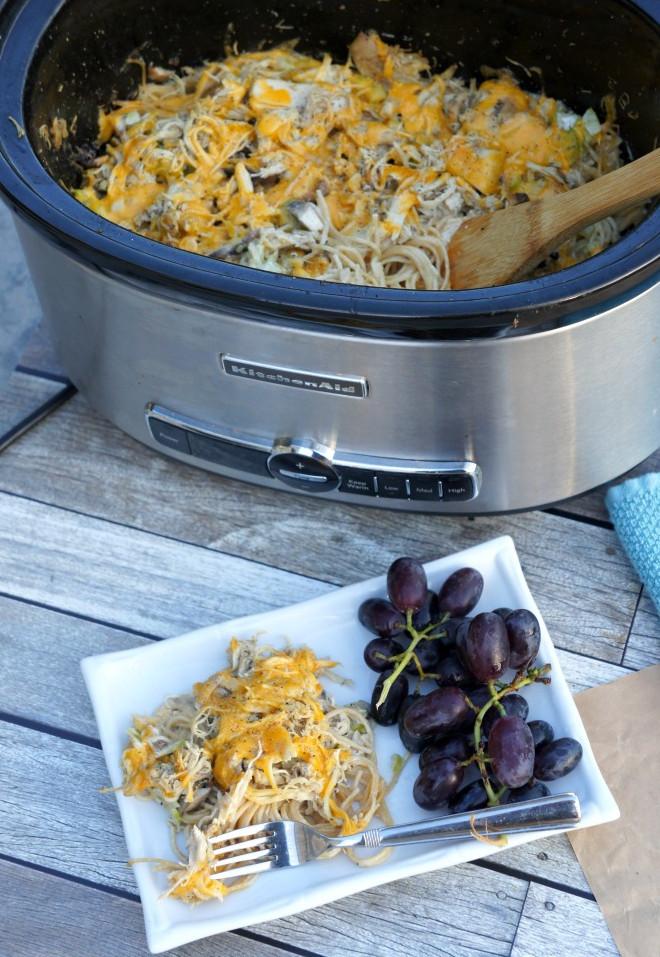 Cheesy Slow Cooker Chicken Tetrazzini | RecipeLion.com