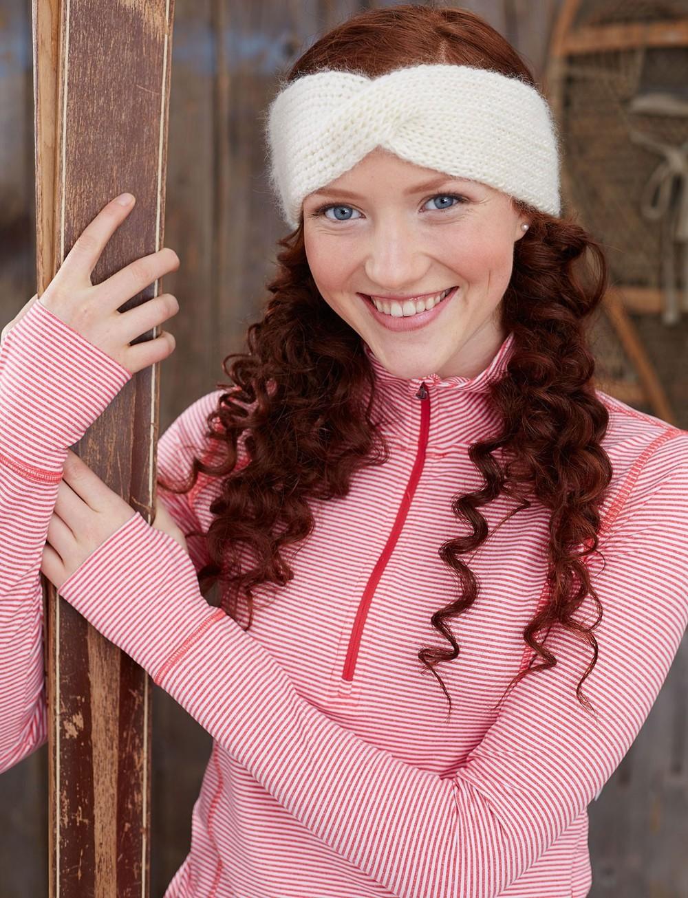 Free Knitting Pattern Twisted Headband : Twisted Step-Sister Headband AllFreeKnitting.com