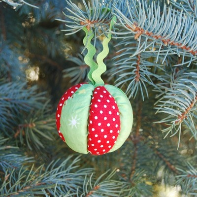 No-Sew Fabric Ball Ornaments