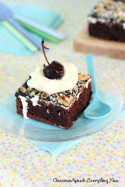 Down-Home Mississippi Mud Cake | TheBestDessertRecipes.com