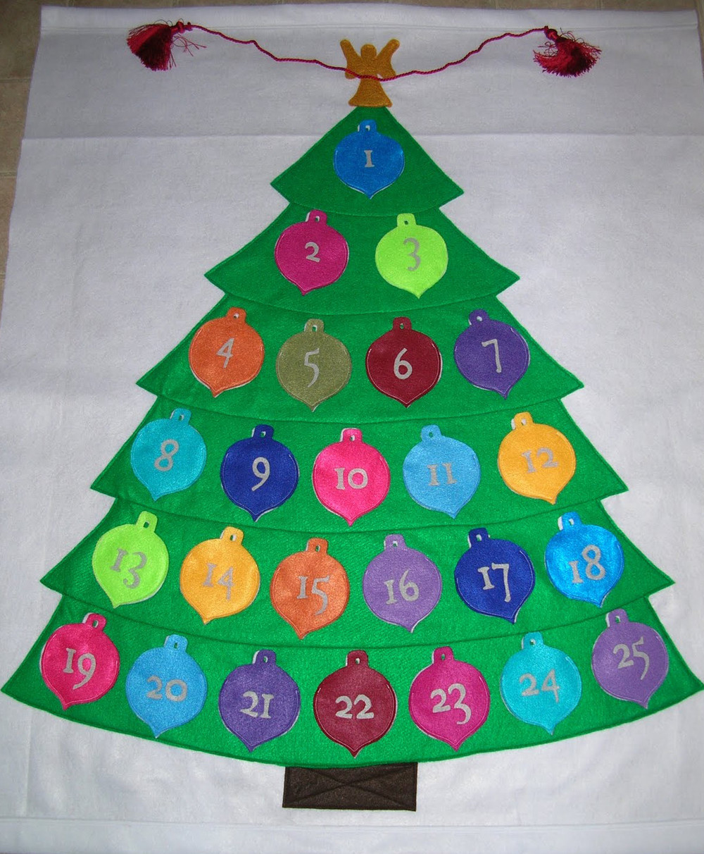 Cute felt advent calendar for All free holiday crafts