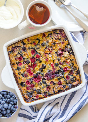 Berry Banana Breakfast Bake