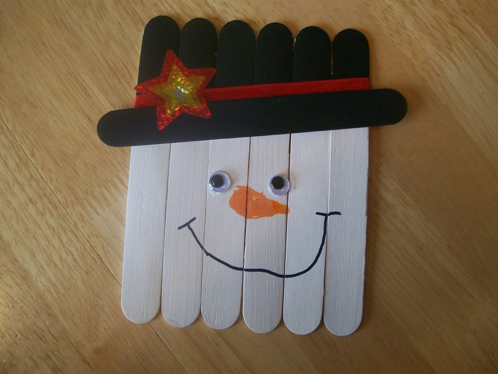 Popsicle stick frosty for Christmas projects with popsicle sticks