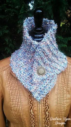 Crochet Queen : Royal Queens Crochet Cowl