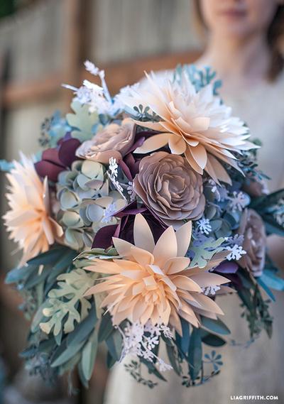 浪漫的仿古纸花束