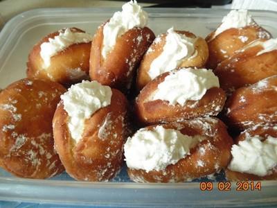 Dunkin Donuts Vanilla Cream Filled Donuts