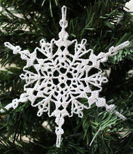 Sparkly Crochet Snowflake Ornament ...