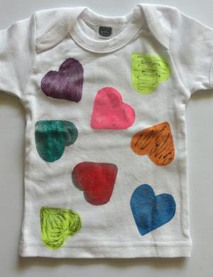 http://d2droglu4qf8st.cloudfront.net/2015/01/206152/Hearts-Delight-Baby-Vest4_Medium_ID-848212.jpg?v=848212