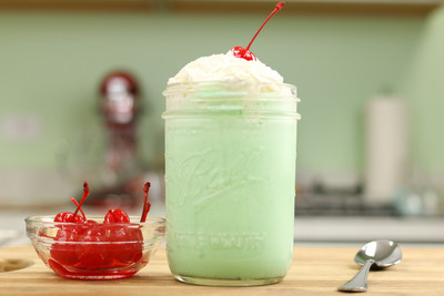 Copycat McDonalds Shamrock Shake Recipe